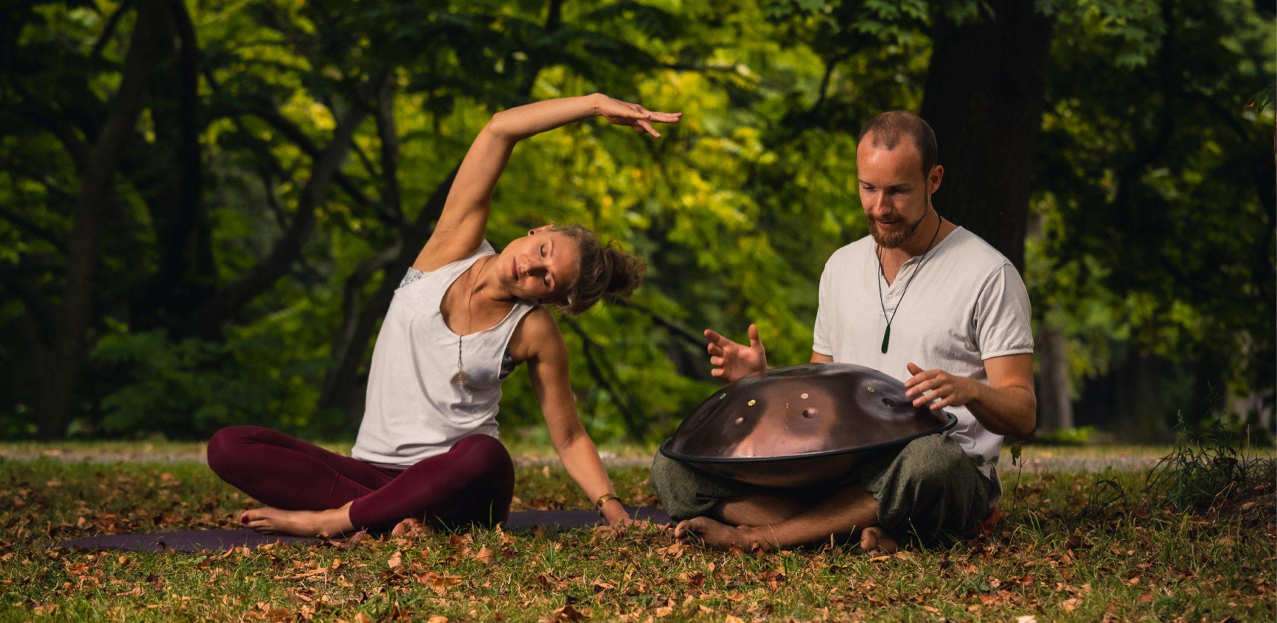 Yoga mit Anne Julia Schiewek und Handpan mit Bert Schulze